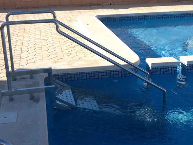 Piscinas acero inoxidable precios cool piscina enterrada for Escalera exterior de acero galvanizado precio